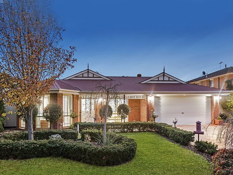For sale: 11 Heytesbury Crescent, Craigieburn, VIC