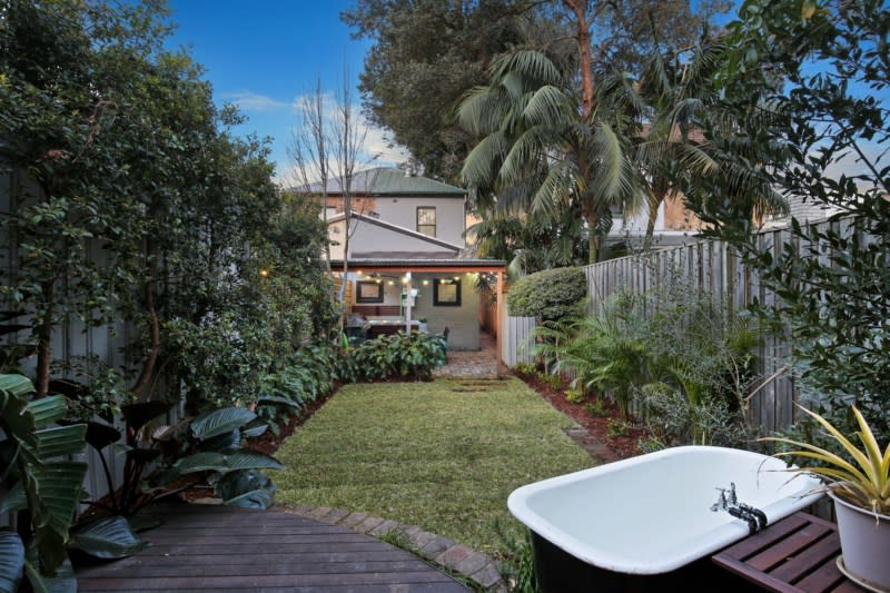 For sale: 10 Lackey Street, St Peters, NSW