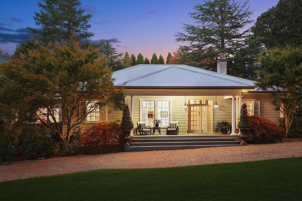 For sale: 41 Toulon Avenue, Wentworth Falls, NSW