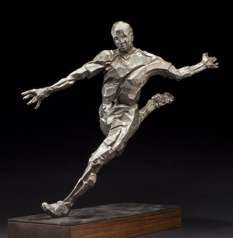 "Striker  bronze  29"" x 17"" x 30"""