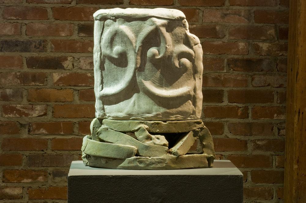 Bray  stoneware  23x20x7