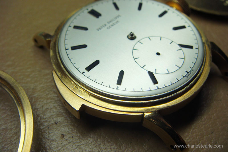 The dial was made of gold with the minute track, signature and all details engraved and then hard enameled.