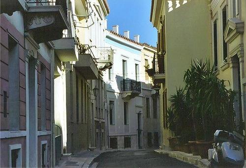 Plaka'da neo-klasik yapılar