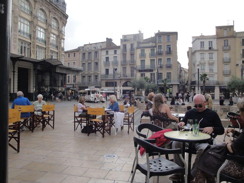Narbonne plaza.jpg