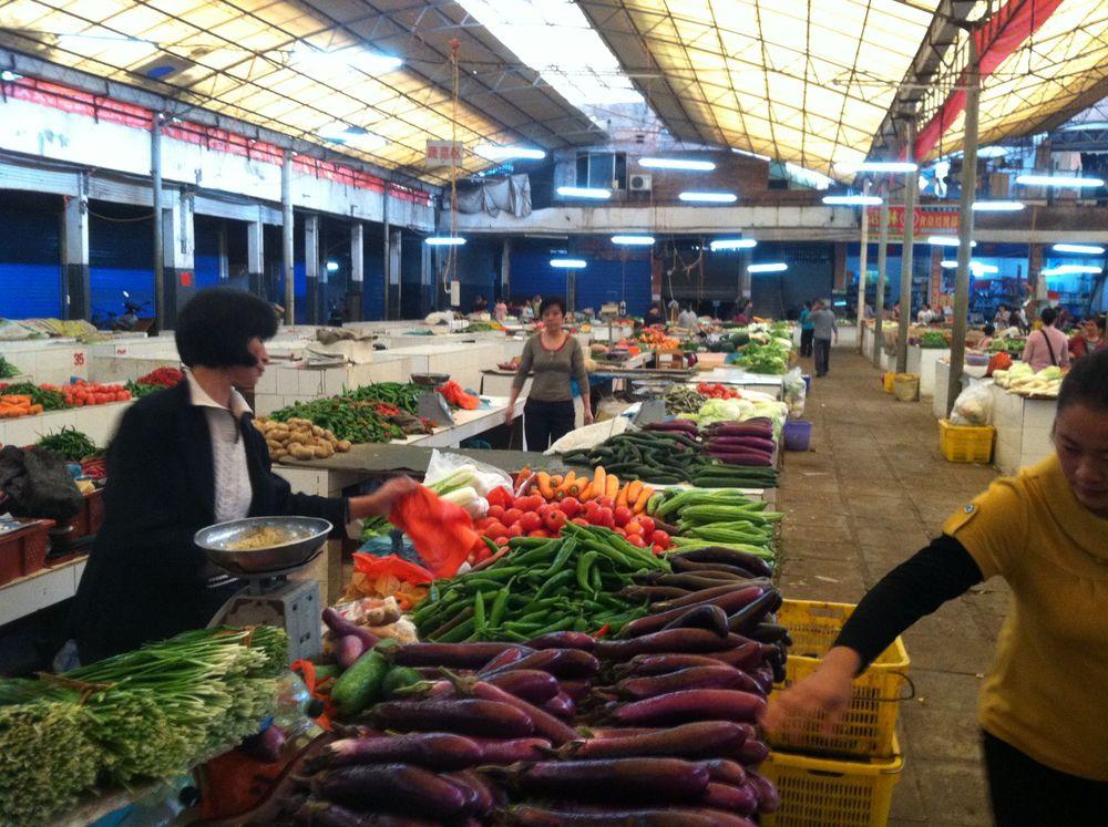 yangshuo market.jpg