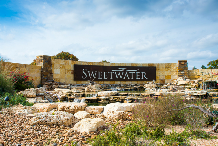 sweetwater-master-planned-community-monument-entry.png