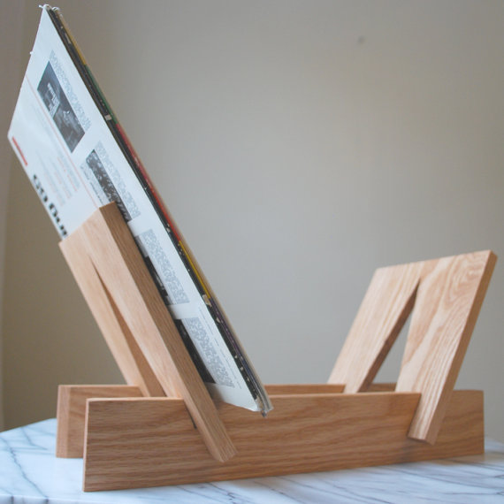 record_holder_handmade_of_ash_wood.jpg