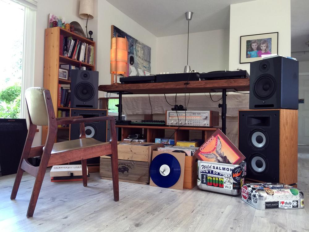 Jamie_McCue_dj_home_setup.jpg