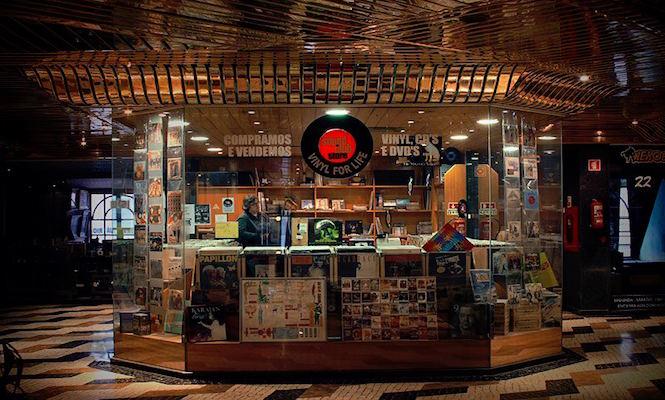 Sound Club Store / Photo via lisbonrecordshops.com