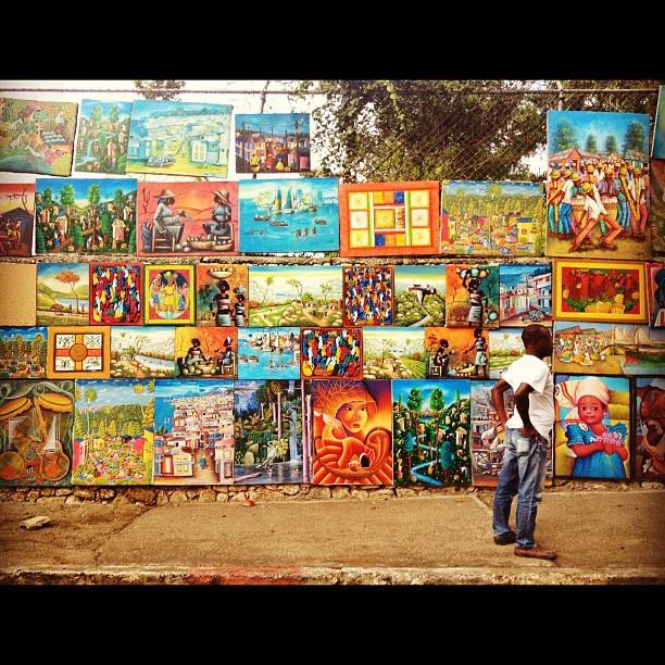L'art dans les rues! #InstaSize #art #painting #haiti #haititourism #street #photography