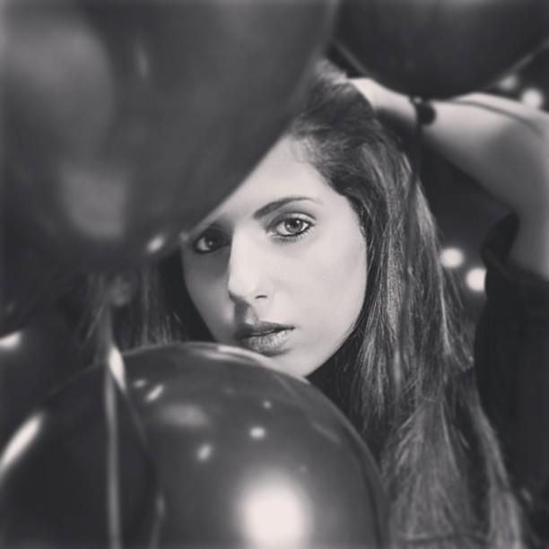 En noir et blanc! #beauty #shoot #makeup by @vvmakeupartist #bnw #fashion #