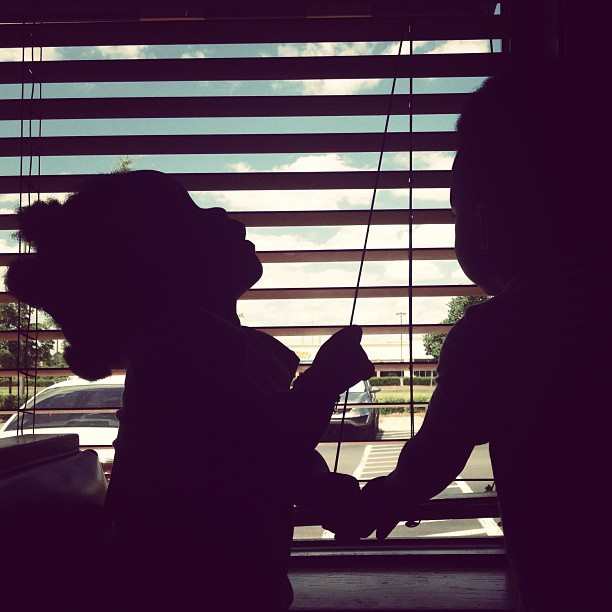 Twins silhouette #siblings #silhouette #love #window