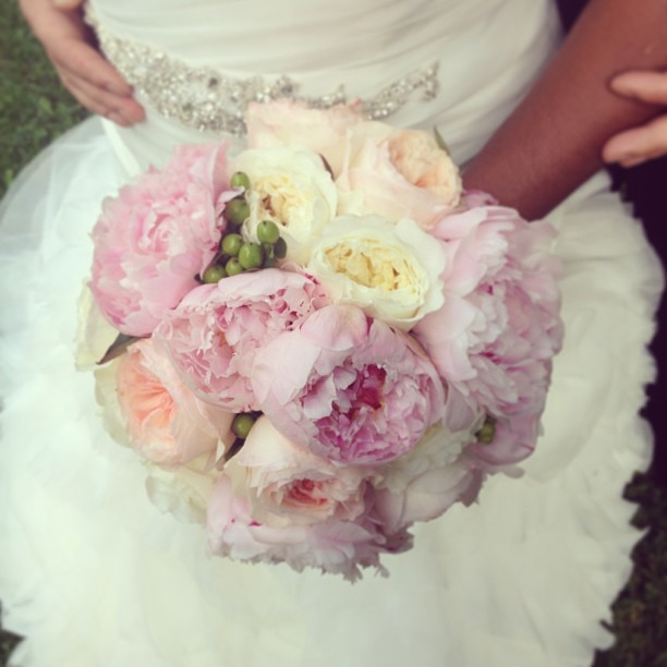 The bouquet #wedding #weddingphotographer #montreal #bride #ilove #flowers