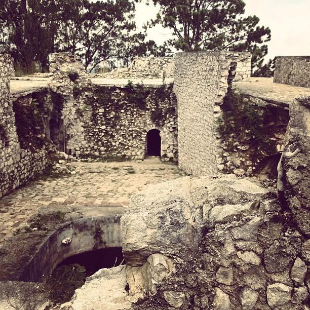 Il etais une fois … #fortjacques #haiti #haititourism #defence #history #petion (at Fort Jacques et Alexandre)