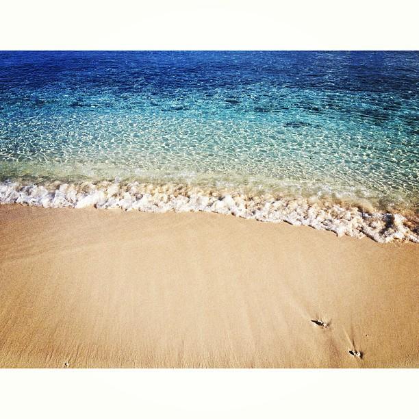 Azur #blue #sea #beach #sand #molestnicolas #InstaSize #haiti #haititourism #hrmarsan #inspired #ayitise #thankyou