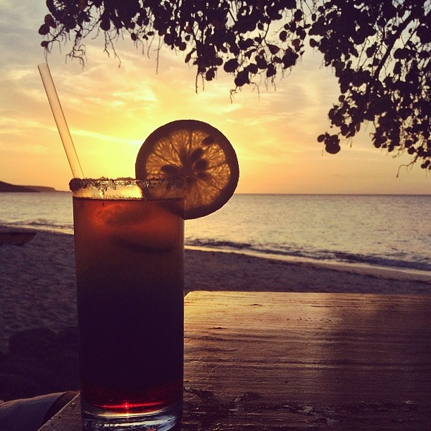 Lime Sunset#drink #cocktail #sunset #haiti #haititourism #ayitise #filming #beach #fun #silhouette (at Boukan Guinguette)