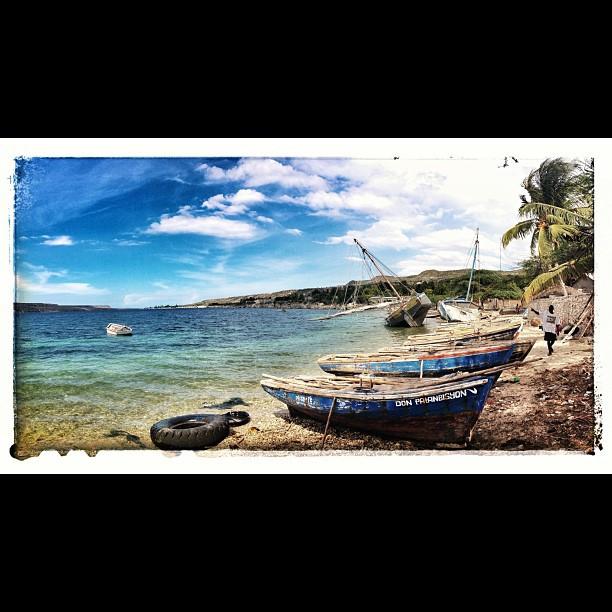 The Parking #boat #village #fishermen #beach #InstaSize #thankyou #ayitise #inspired #molestnicolas #haiti #haititourism