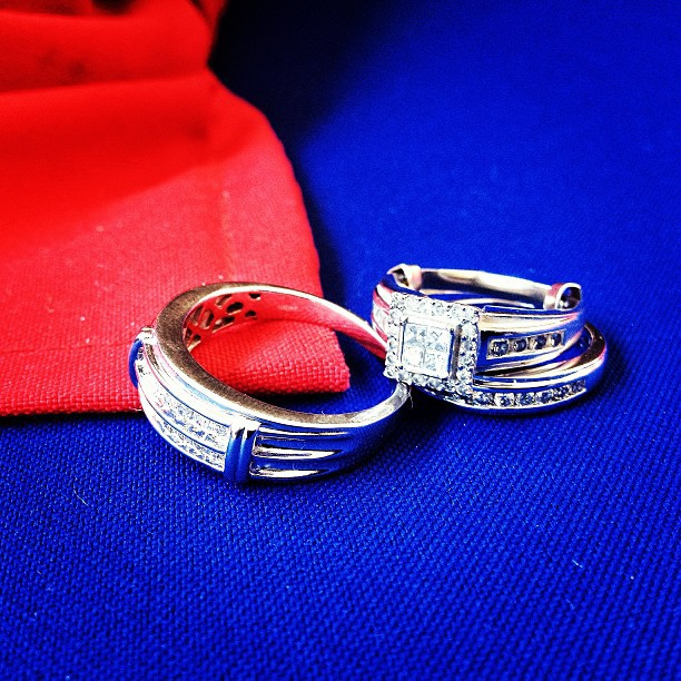 Mariage bleu et rouge #wedding #rings #flag #fetedudrepeau #haiti #18mai #photography #weddingphotographer