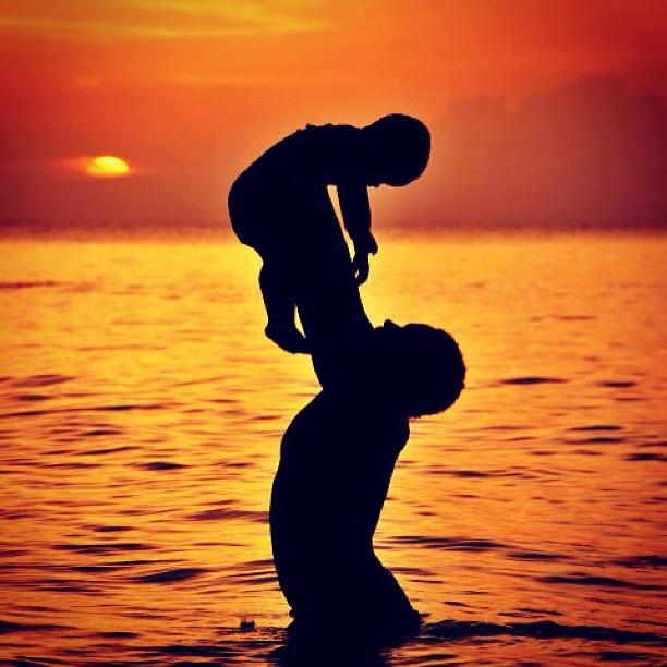 Père et fils #silhouette #WHPsilhouettes #sea #family #love