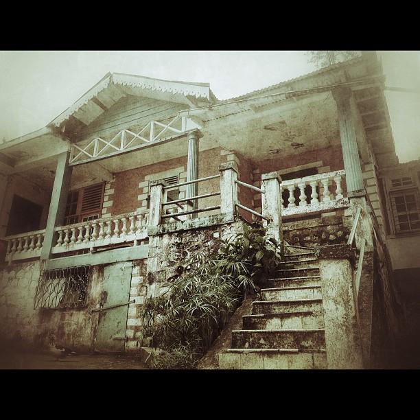 Old house #house #InstaSize #architecture #haiti #fog #old #kenscoff #nature