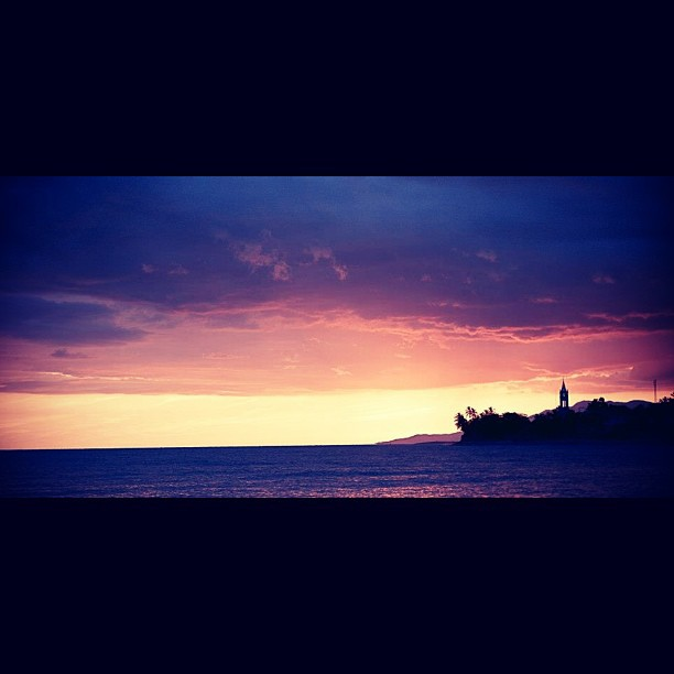 Port-à-Piment #InstaSize #landscape #sunset #sky #sea #silhouette #photography #photographer #haiti #haititourism #city