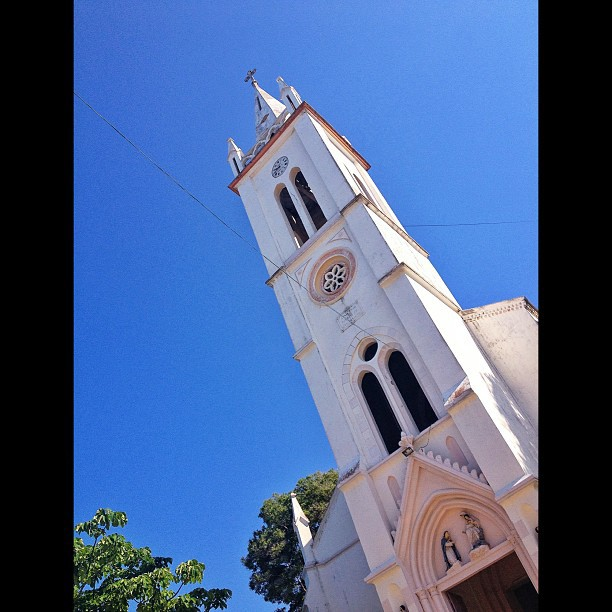 Eglise Notre Dame du Rosaire #church #portapiment #InstaSize #architecture #haiti #haititourism #south #city #sky