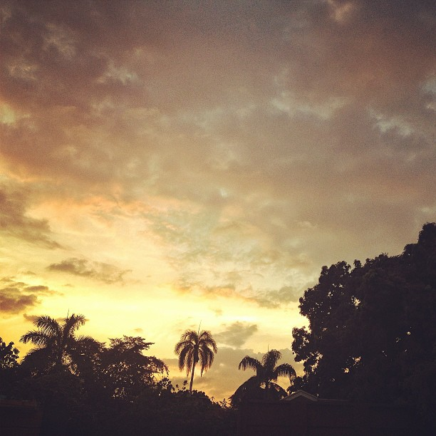 Soley ap kouche wi! #sunset #landscape #Haiti #haititourism