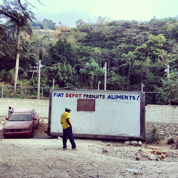 Fiat depot produits aliments! #boutique #brasenapbrase #Haiti