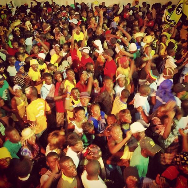 La foule #mensekanaval #beton #kanaval2013 #okap