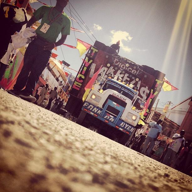 T-vice's getting #okap #cha #tvice #kanaval2013