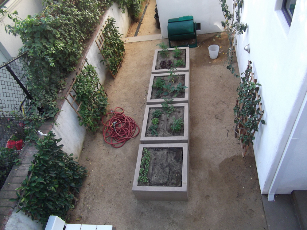 4 Square concrete planters- losfeliz