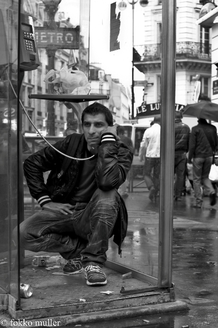 street photography paris - 20110329 - 014 web large.jpg