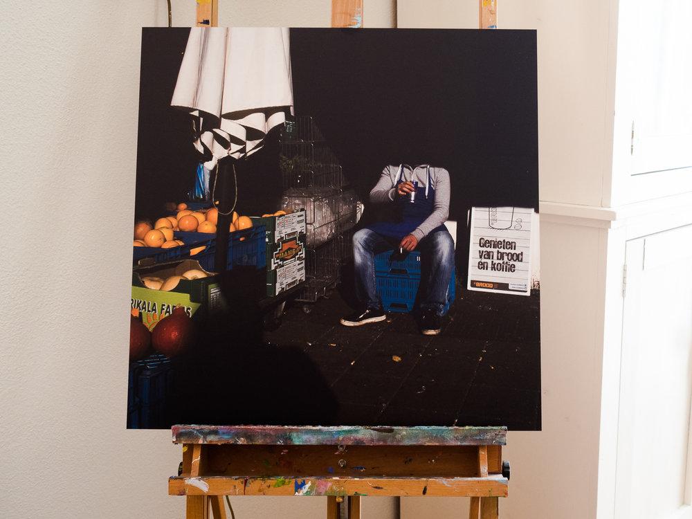 Undercover foto thuis op de schildersezel.