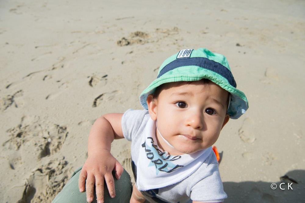 9 mois - Je mange du sable et.... rien