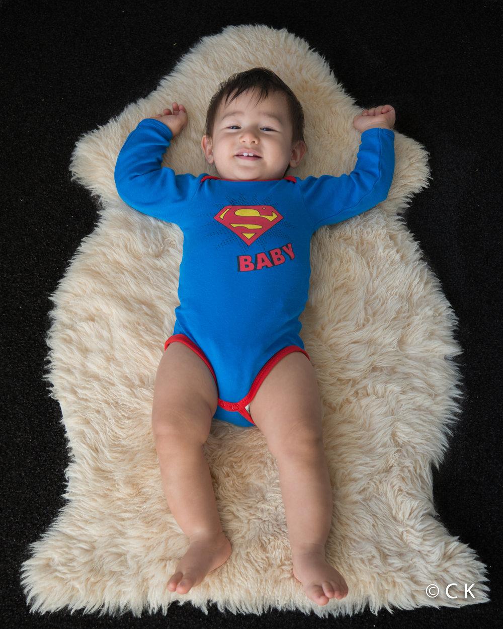 9 mois - je porte un des bodies que tata Christine a envoyé