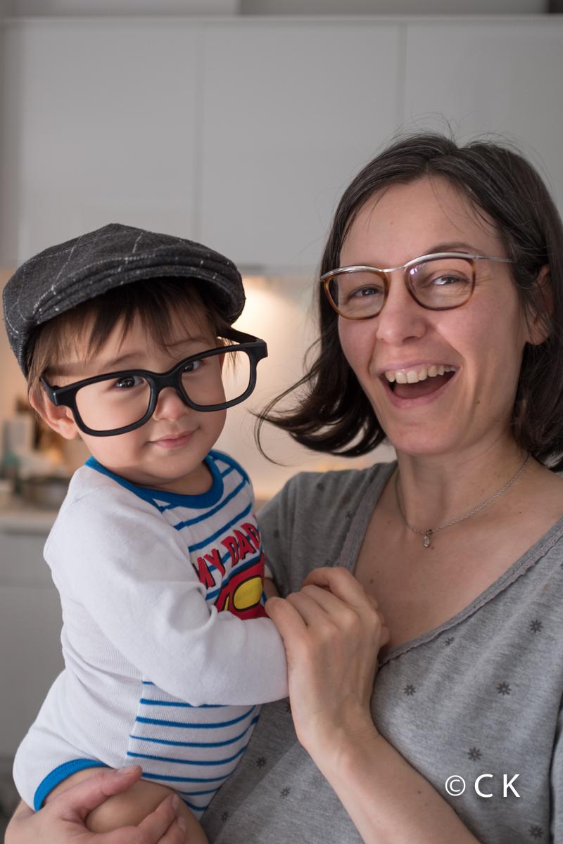 11 mois - je peux jouer avec ces lunettes, elles sont pile à ma taille