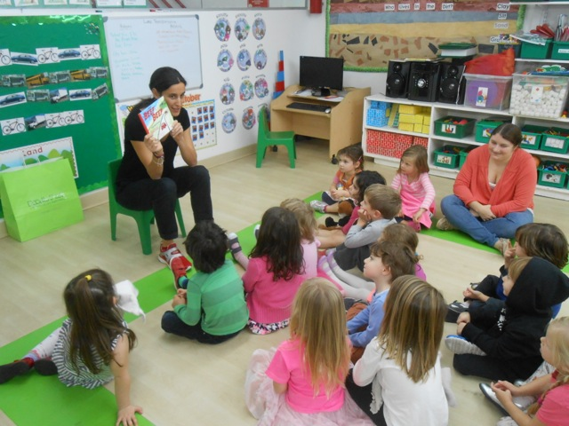 french preschool nyc reading in a class at the preschool center so 749