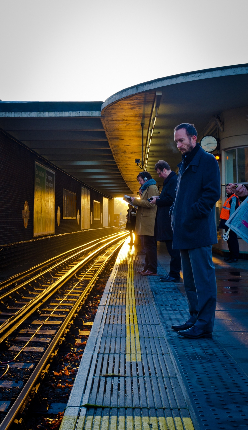 Waiting for the train on a cold morning @ East Finchley stn, London.jpg