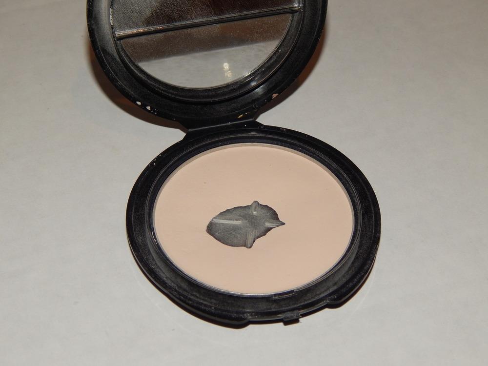 NYC Smooth Skin Pressed Powder