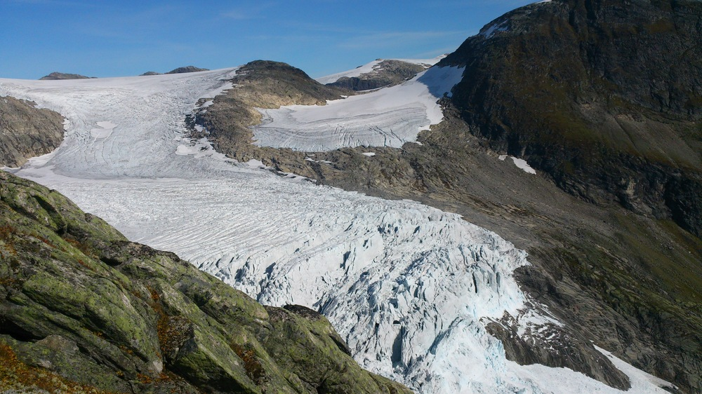 Bøyabreen Glacier ice fall September 2014. Photo: Pål Gran Kielland.