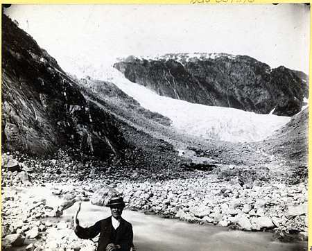 Vetle Supphellebreen Glacier in 1884