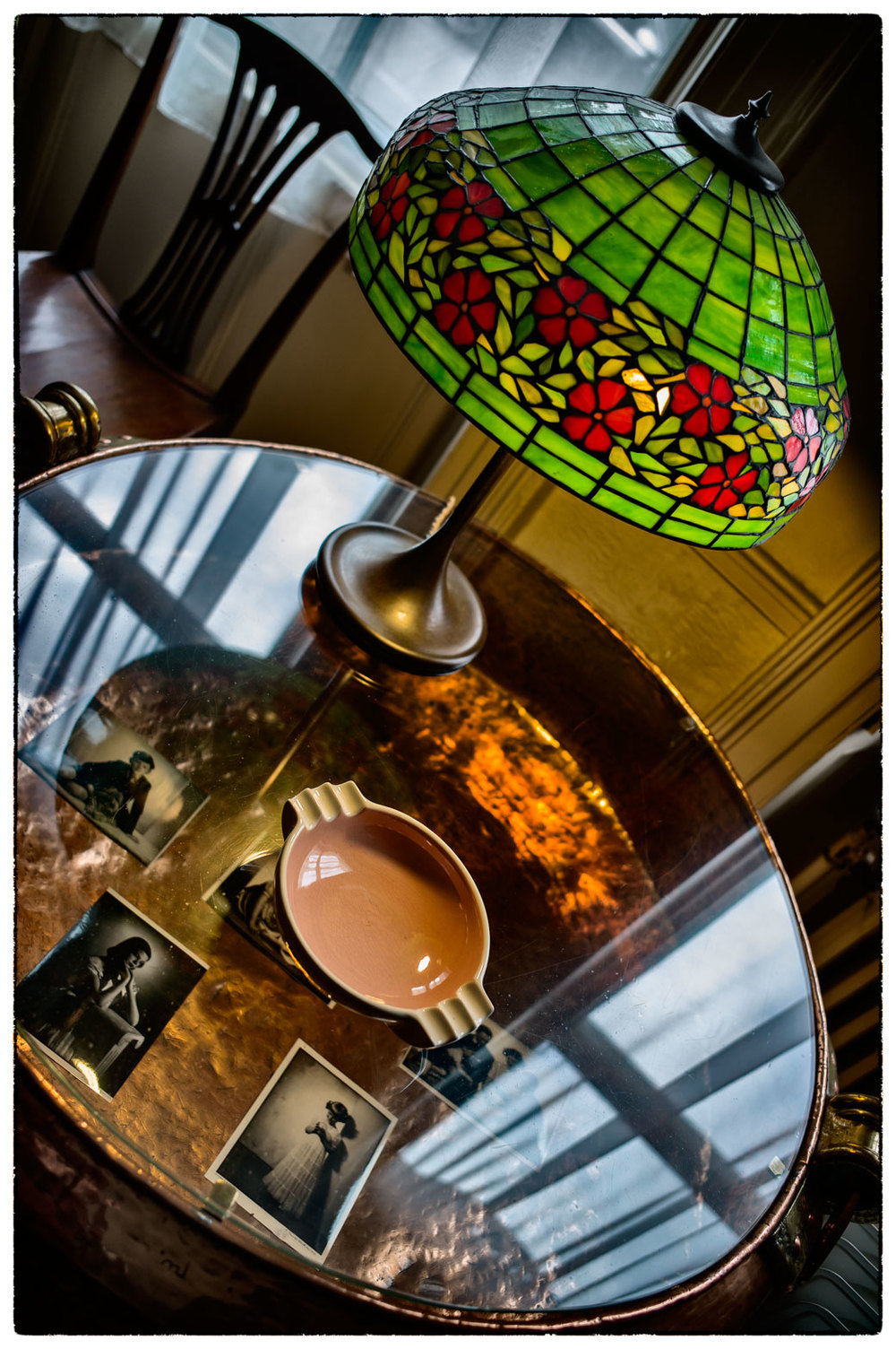 Beautiful Tiffany lamp at the house of E. Chambré Hardman.