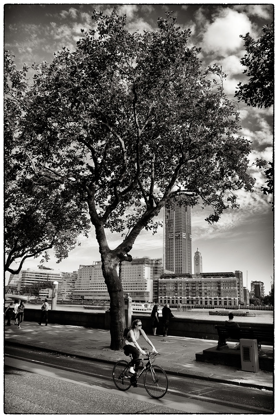 Sunny day in London. Embankment.