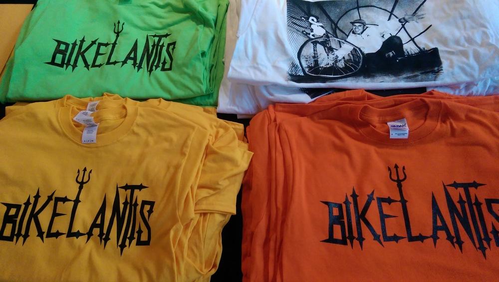Bikelantis & #livelikeManny T-shirts