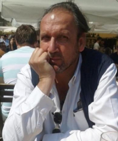 Óscar Melchor   ha dado su vida prestando un magnífico servicio público en el TURNO DE OFICIO de Madrid a favor de la ciudadanía más desfavorecida. Tus compañeros no olvidaremos tan generosa ofrenda. Nuestro más sentido pésame para sus familiares y amigos. Descanse en paz.     En Madrid, a 29 de septiembre de 2016      LA     JUNTA DE GOBIERNO DE APROED