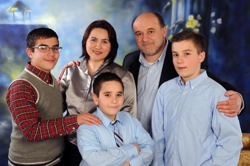 140331 Menga Family.jpeg