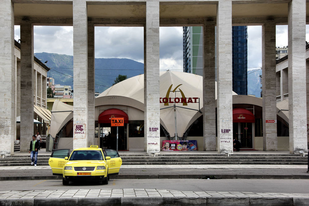Tirana Kolonat.jpg