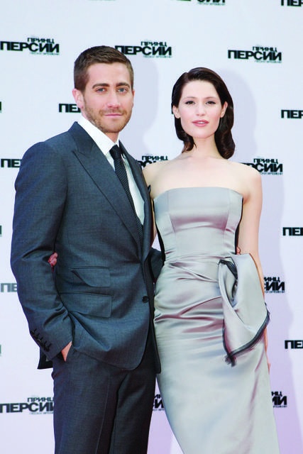 Prince-of-Persia-Jake-Gyllenhaal-Gemma-Arterton-Red-Carpet-Mosca-2_mid.jpg