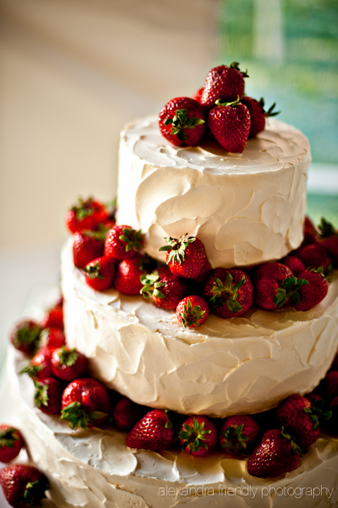 Strawberries cake.jpg