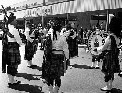 Photo courtesy of Phil Lenihan L to R: Dick Boyd Guy Bennett David More (back) Neil Serkland PMaj John McPhee David Maiche (bass) Royal Canadian Legion (1970 approx.) Shopping Center